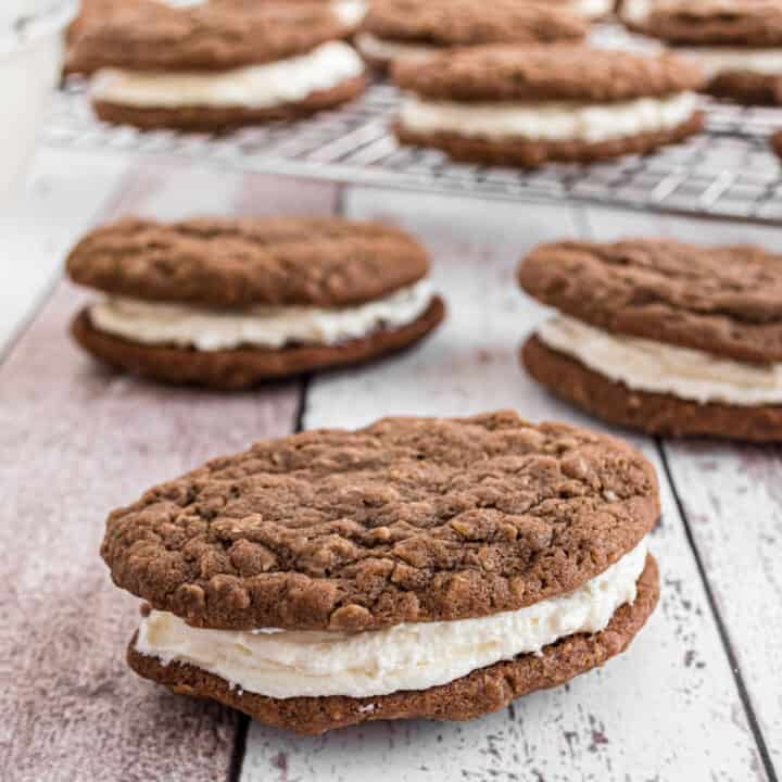 oft and chewy Chocolate Oatmeal Cream Pies! You'll love this easy lunchbox treat that's similar to the classic, but CHOCOLATE flavored!