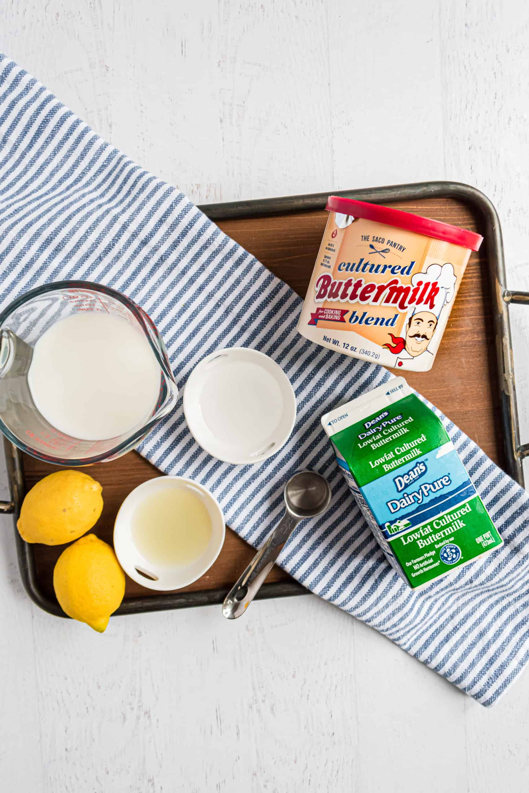 How to make homemade buttermilk ingredients.