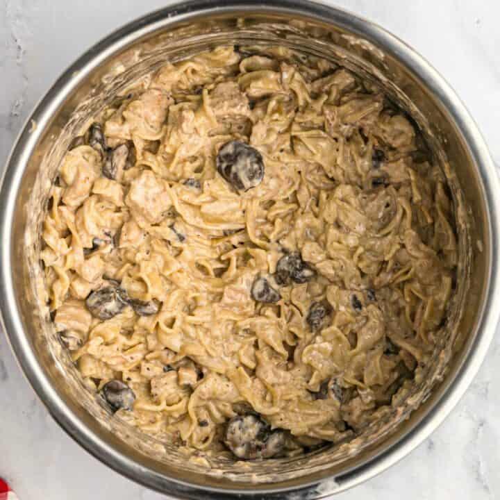 Chicken stroganoff in Instant Pot.