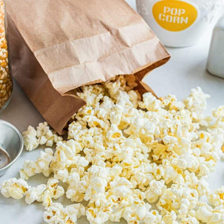 Never overspend on Microwave Popcorn from the store again! Learn how to make popcorn in the microwave from scratch with these two easy methods. No popcorn popper needed!