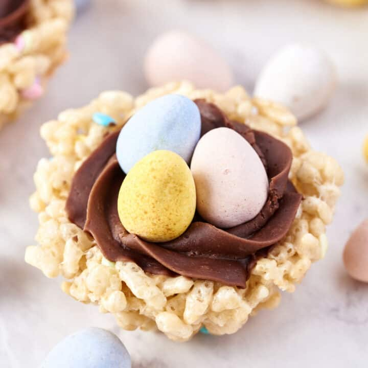 Rice krispie treat filled with chocolate buttercream and chocolate eggs.