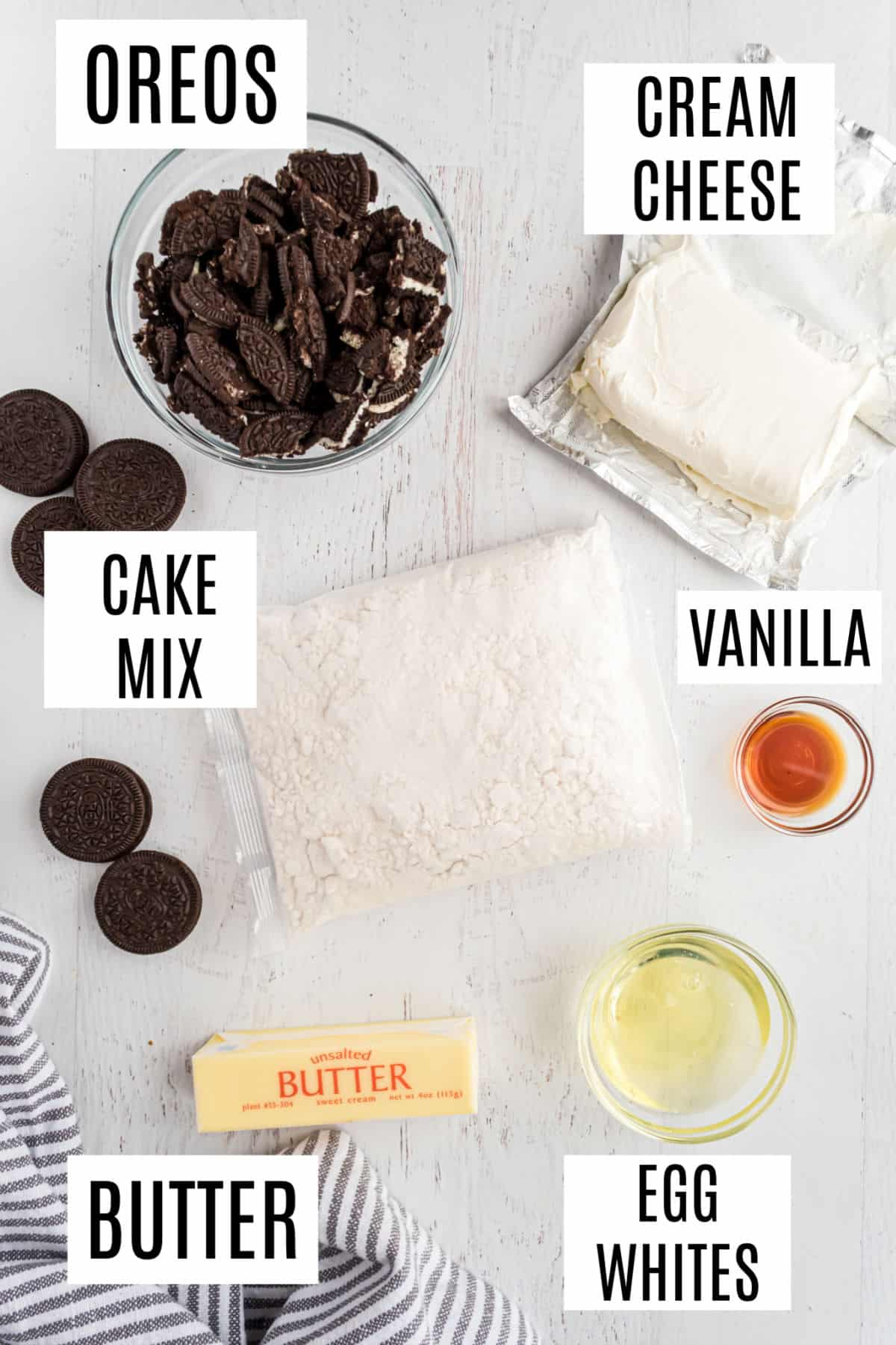 Ingredients needed to make oreo cream cheese cookies.